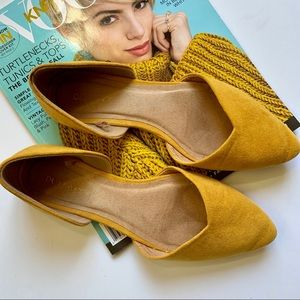 Old Navy | Yellow Pointed Toe Flats 7